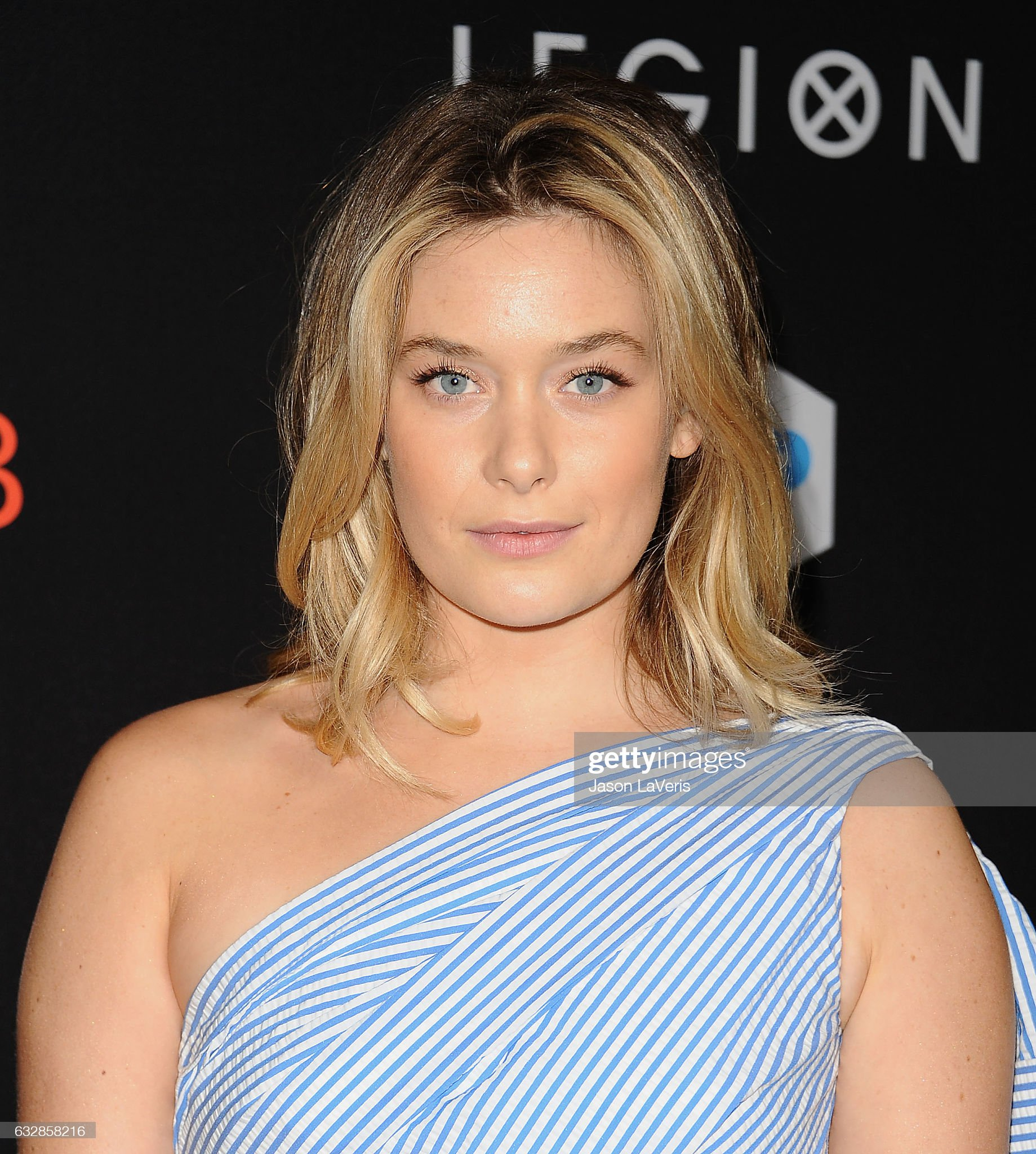 ¿Cuánto mide Rachel Keller? - Real height Actress-rachel-keller-attends-the-premiere-of-legion-at-pacific-on-picture-id632858216?s=2048x2048