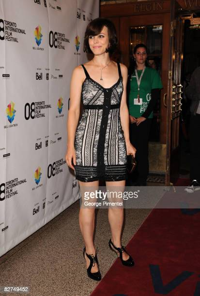 Actress Rachel McAdams attends the 'Che' film premiere held at the Visa Screening Room at the Elgin Theatre during the 2008 Toronto International...