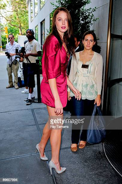 Actress Rachel Nichols enters her Grammercy Park hotel on August 04 2009 in New York City