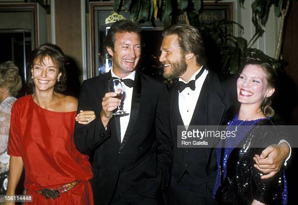 Actress Rachel Ward Actor Bryan Brown and Actor Jeff Bridges and wife Susan Geston attend the 41st Annual Golden Globe Awards on January 28 1984 at...