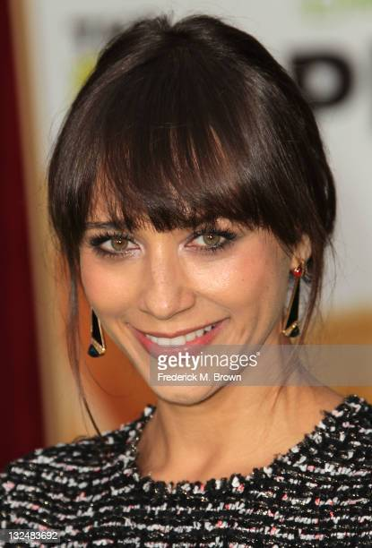 """Actress Rashida Jones attends the Premiere Of Walt Disney Pictures' """"The Muppets"""" at the El Capitan Theatre on November 12, 2011 in Hollywood,..."""