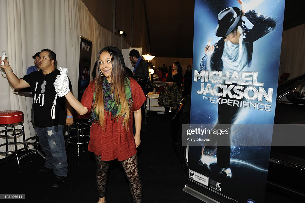 """Ubisoft's """"Just Dance 2"""" At The American Music Awards Gifting Lounge - Day 2 : News Photo"""