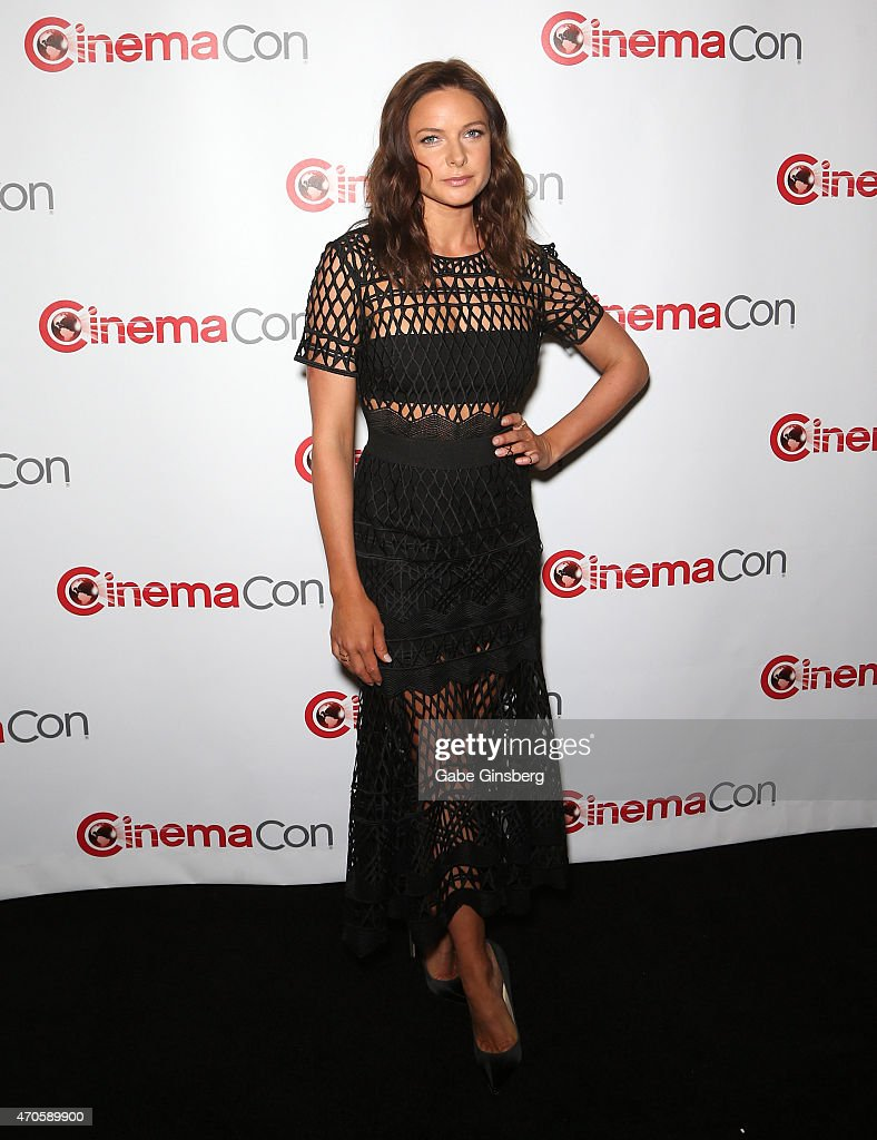 2015 CinemaCon - The State Of The Industry Past, Present And Future Paramonut Presentation