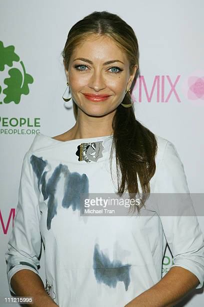 Actress Rebecca Gayheart arrives at the Intermix Boutique store opening at the Intermix Boutique store on September 25 2007 in West Hollywood...