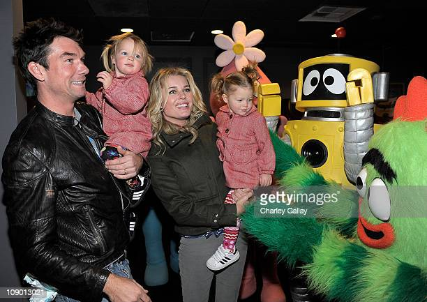 Actress Rebecca Romijn and actor Jerry O'Connell with their twin daughters Dolly Rebecca Rose and Charlie Tamara Tulip greet characters of YO GABBA...
