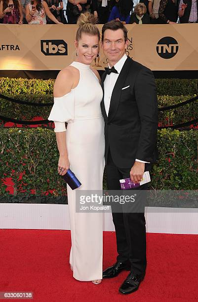 Actress Rebecca Romijn and huband Jerry O'Connell arrive at the 23rd Annual Screen Actors Guild Awards at The Shrine Expo Hall on January 29 2017 in...