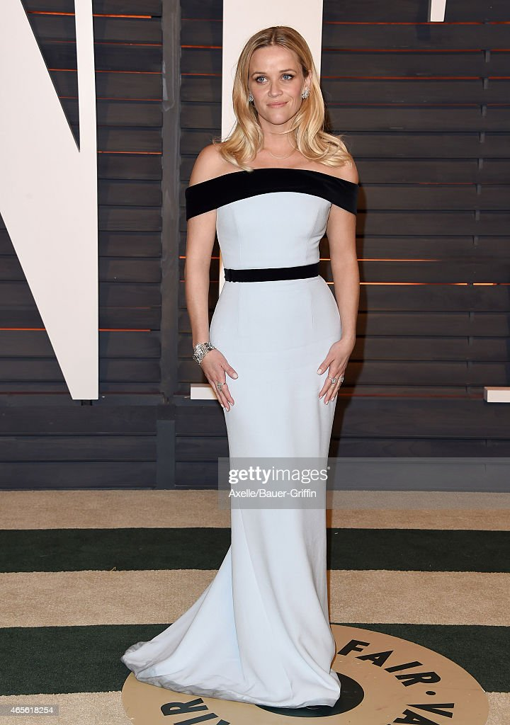 Actress Reese Witherspoon arrives at the 2015 Vanity Fair Oscar Party Hosted By Graydon Carter at Wallis Annenberg Center for the Performing Arts on February 22, 2015 in Beverly Hills, California.