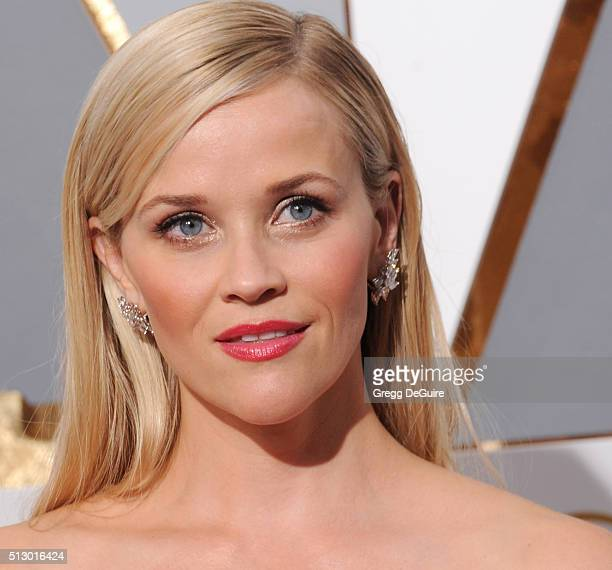 Actress Reese Witherspoon arrives at the 88th Annual Academy Awards at Hollywood Highland Center on February 28 2016 in Hollywood California