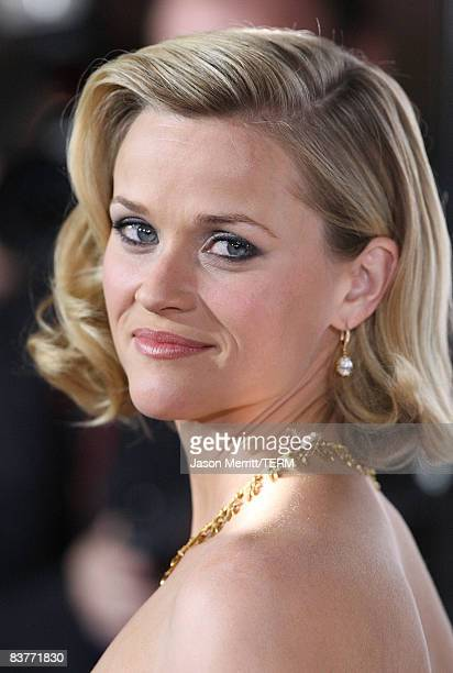 Actress Reese Witherspoon arrives at the Four Christmases premiere on November 20 2008 in Hollywood California