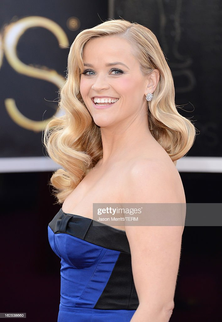 Actress Reese Witherspoon arrives at the Oscars at Hollywood & Highland Center on February 24, 2013 in Hollywood, California.