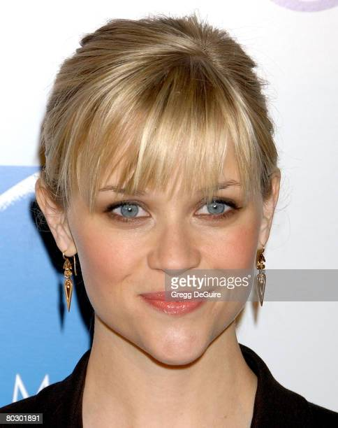 Actress Reese Witherspoon arrives at the 'Penelope' premiere at the Directors Guild of America Theater on February 20 2008 in West Hollywood...