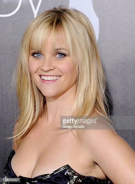 """Actress Reese Witherspoon arrives at """"This Means War"""" Los Angeles Premiere at Grauman's Chinese Theatre on February 8, 2012 in Hollywood, California."""