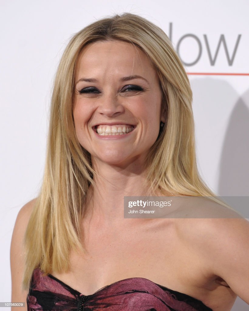 """""""How Do You Know"""" Los Angeles Premiere - Arrivals : News Photo"""