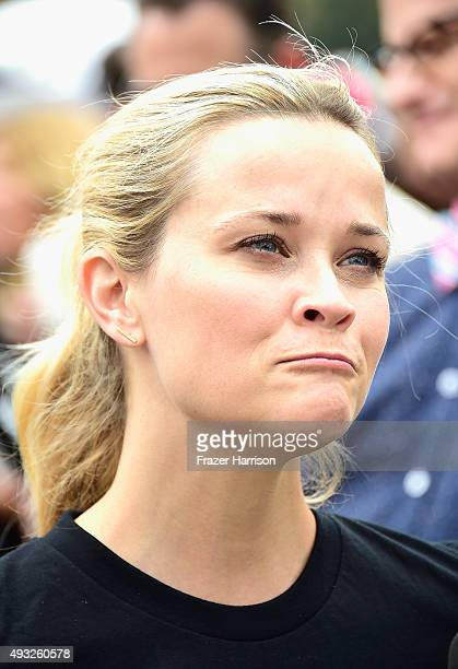 Actress Reese Witherspoon attends Nanci Ryder's 'Team Nanci' At The 13th Annual LA County Walk To Defeat ALS at Exposition Park on October 18 2015 in...