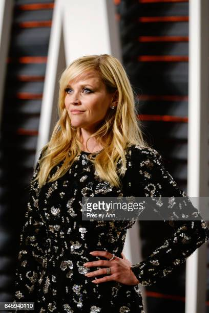Actress Reese Witherspoon attends the 2017 Vanity Fair Oscar Party hosted by Graydon Carter at Wallis Annenberg Center for the Performing Arts on...