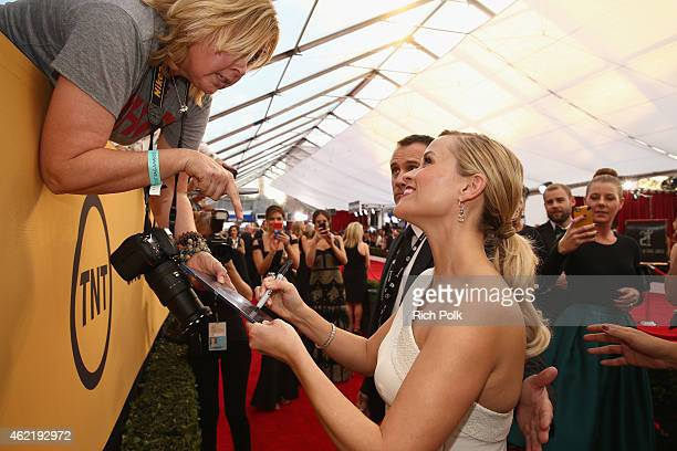 Actress Reese Witherspoon attends TNT's 21st Annual Screen Actors Guild Awards at The Shrine Auditorium on January 25, 2015 in Los Angeles,...