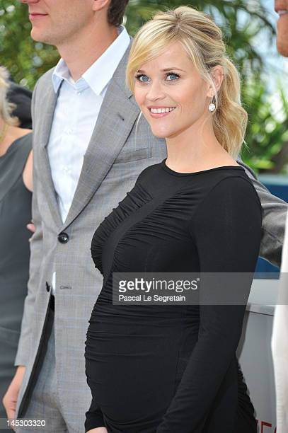 Actress Reese Witherspoon poses at the 'Mud' photocall during the 65th Annual Cannes Film Festival at Palais des Festivals on May 26 2012 in Cannes...