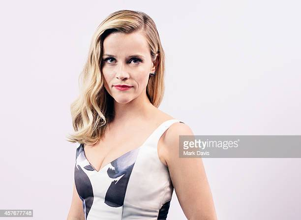 APPROVAL Actress Reese Witherspoon poses for a portrait at the 28th American Cinematheque Award Honoring Matthew McConaughey on October 21 2014 in...
