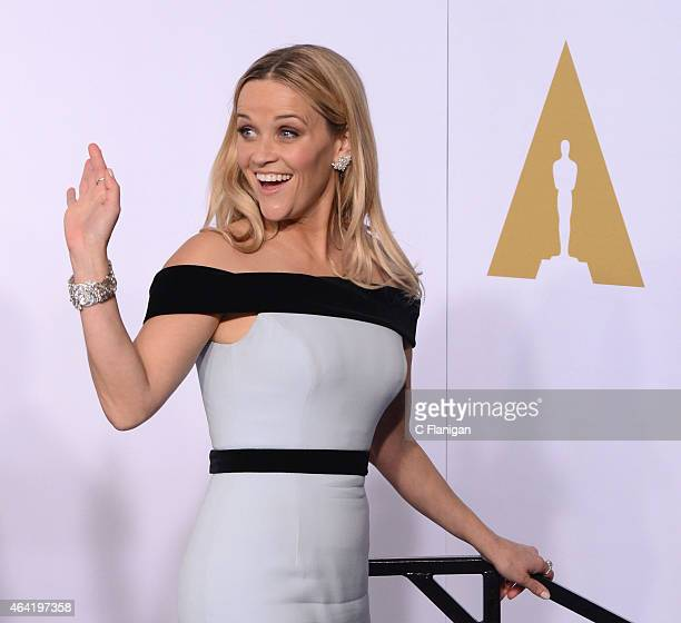 Actress Reese Witherspoon poses in the Press Room during the 87th Annual Academy Awards at Loews Hollywood Hotel on February 22, 2015 in Hollywood,...