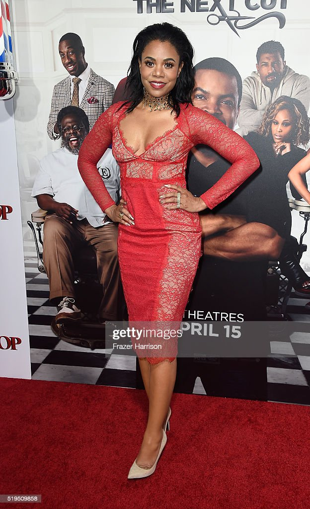 Actress Regina King attends the Premiere Of New Line Cinema's 'Barbershop: The Next Cut' at TCL Chinese Theatre on April 6, 2016 in Hollywood, California.