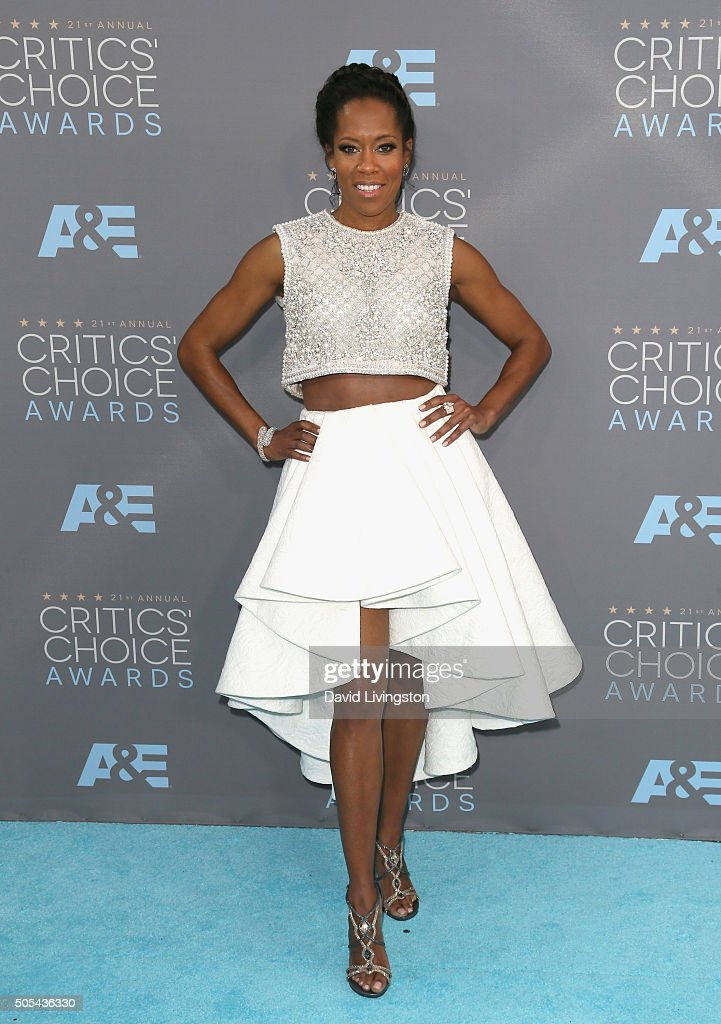 Actress Regina King attends The 21st Annual Critics' Choice Awards at Barker Hangar on January 17, 2016 in Santa Monica, California.
