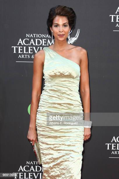 Actress Renee Jones arrives at the 36th Annual Daytime Emmy Awards at The Orpheum Theatre on August 30 2009 in Los Angeles California