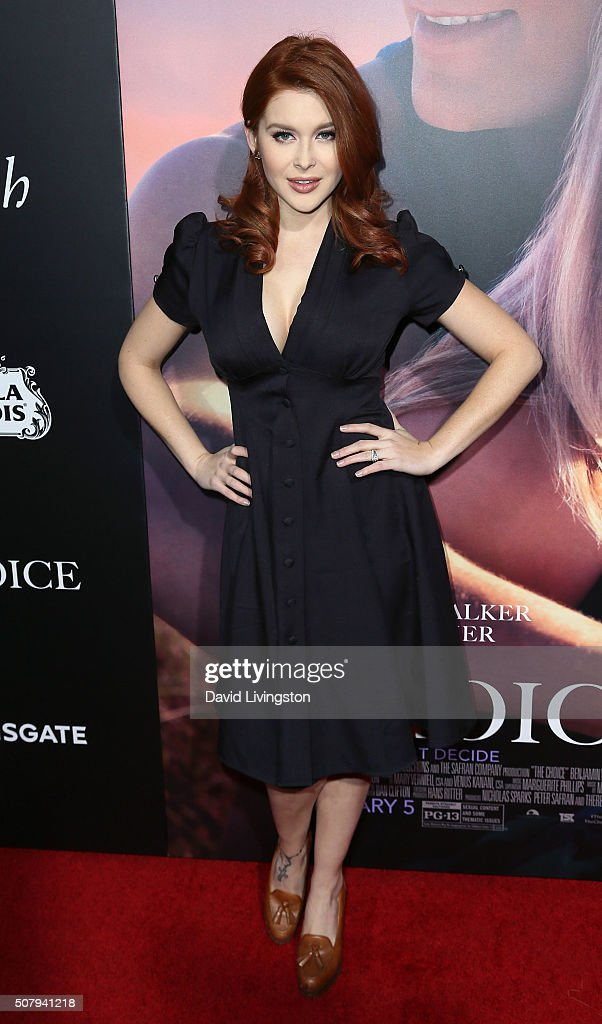 Actress Renee Olstead attends the premiere of Lionsgate's 'The Choice' at ArcLight Cinemas on February 1, 2016 in Hollywood, California.