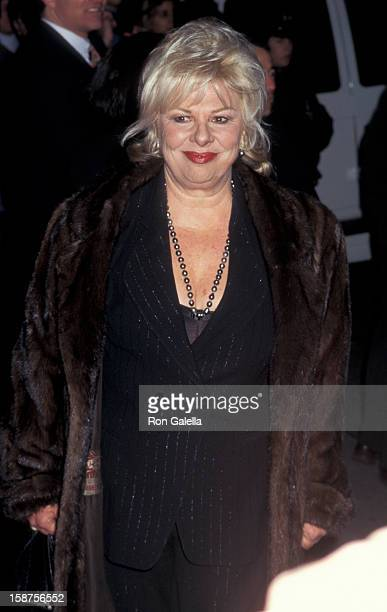 """Actress Renee Taylor attending the premiere of """"The Mirror Has Two Faces"""" on November 10, 1996 at the Ziegfeld Theater in New York City, New York."""