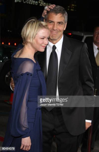 Actress Renee Zellweger and actor George Clooney arrive at Universal Picture's Premiere of Leatherheads on March 31 2008 at Grauman's Chinese in...