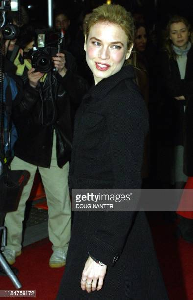 """Actress Renee Zellweger appears at the New York premier of the Hollywood film """"Bridget Jones's Diary"""" 02 April 2001. Zellweger is one of the stars of..."""