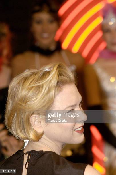 """Actress Renee Zellweger attends a promotional viewing of the new film """"Chicago"""" at the Cinema Moderno Warner Village February 10, 2003 in Rome, Italy."""