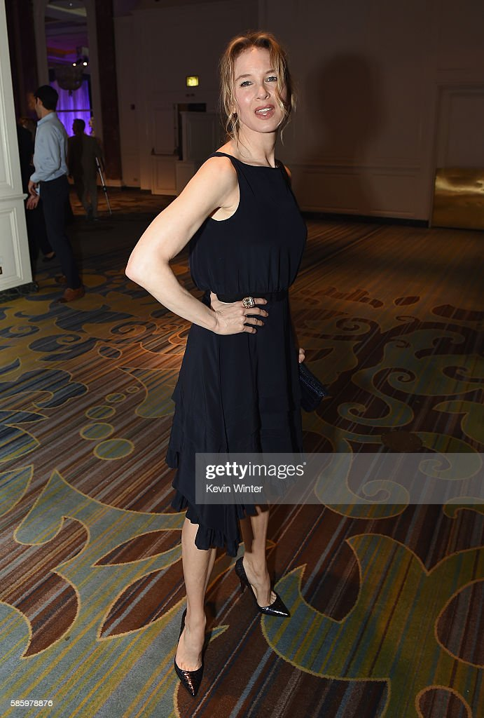 Hollywood Foreign Press Association's Grants Banquet - Show