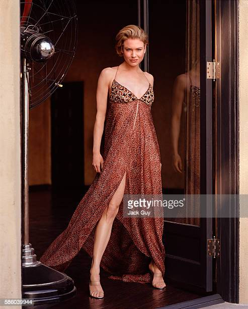 Actress Renee Zellweger is photographed for V Life on January 29 2003 in Los Angeles California PUBLISHED IMAGE