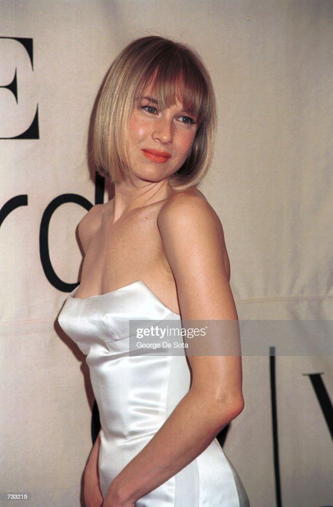 The VH-1 2000 Fashion Awards : News Photo