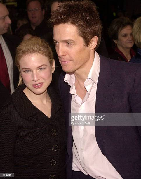 Actress Renee Zellweger poses with actor Hugh Grant while attending the premiere of Bridget Jones's Diary April 2 2001 in New York City