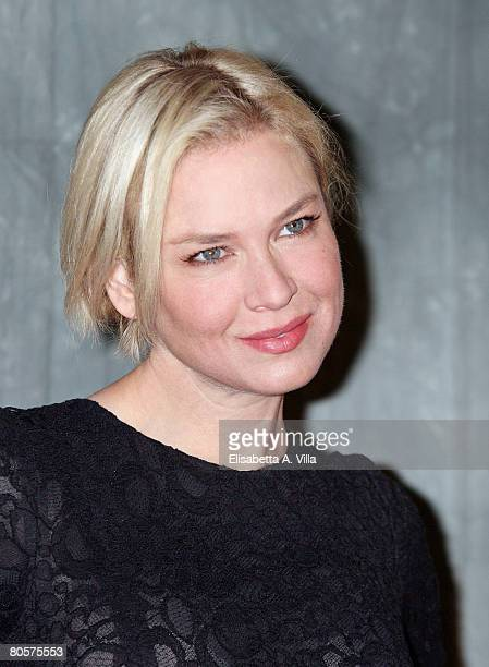 """Actress Renee Zellwegger attends the """"Leatherheads"""" photocall at the St. Regis Grand Hotel on April 9, 2008 in Rome, Italy."""