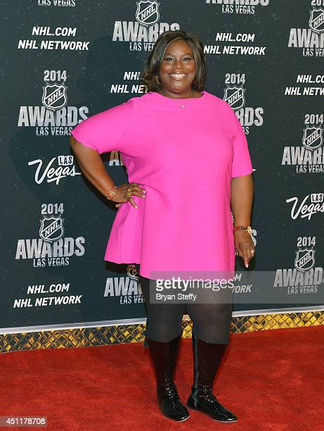 Actress Retta arrives on the red carpet prior to the 2014 NHL Awards at Encore Las Vegas on June 24, 2014 in Las Vegas, Nevada.