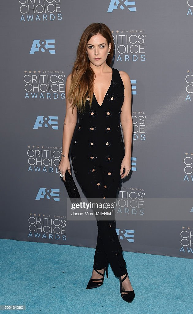 Actress Riley Keough attends the 21st Annual Critics' Choice Awards at Barker Hangar on January 17, 2016 in Santa Monica, California.