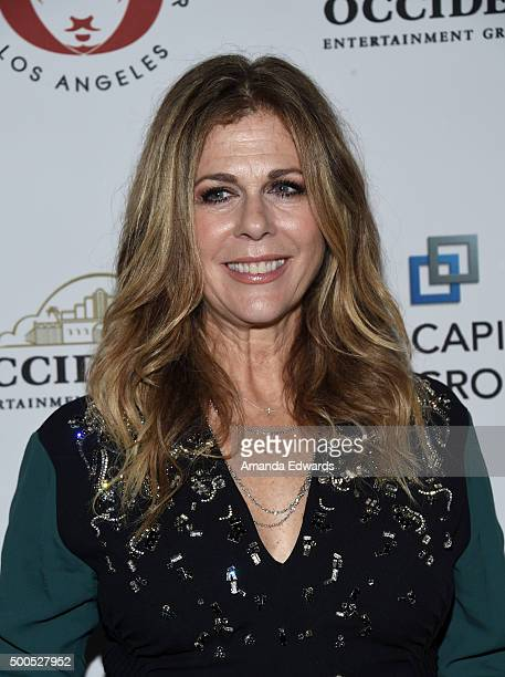 Actress Rita Wilson arrives at The Shakespeare Center of Los Angeles 25th Annual Simply Shakespeare Benefit at The Broad Stage on December 8 2015 in...