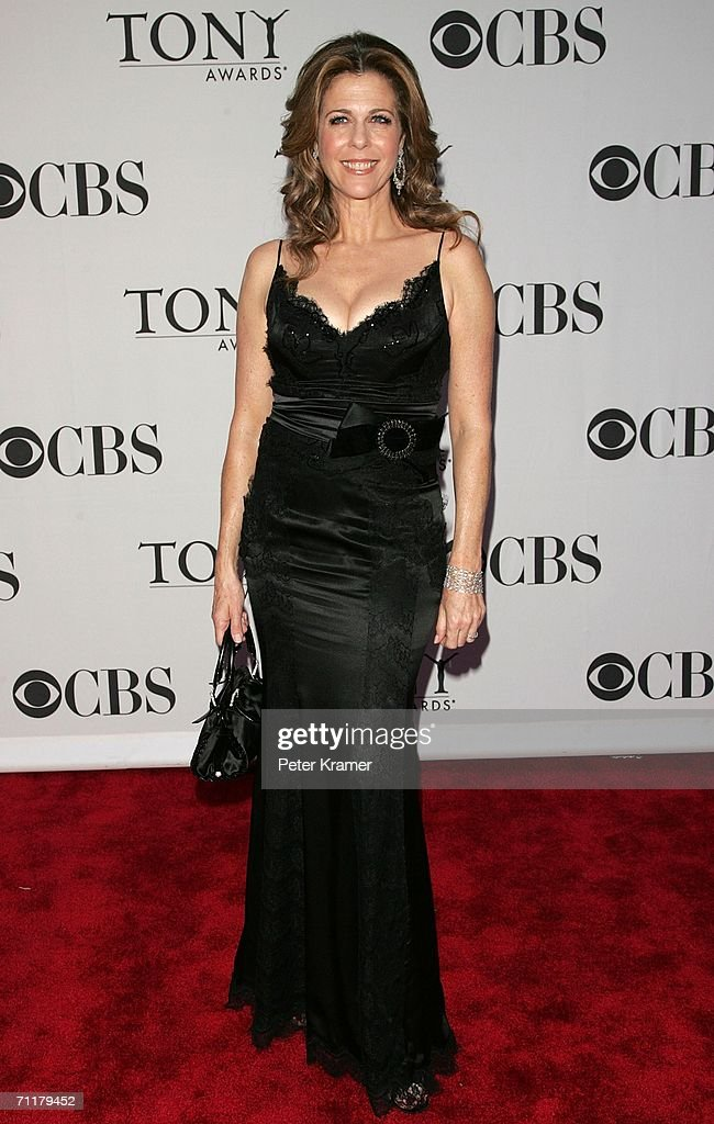 Actress Rita Wilson attends the 60th Annual Tony Awards at Radio City Music Hall June 11, 2006 in New York City, New York.