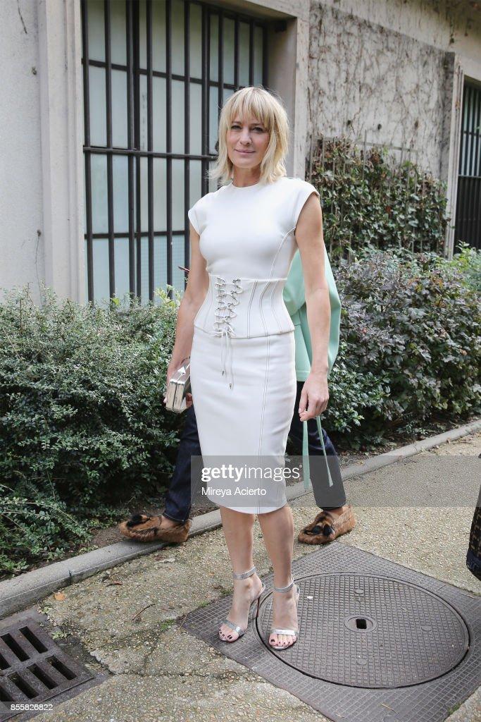 Mugler : Outside Arrivals - Paris Fashion Week Womenswear Spring/Summer 2018