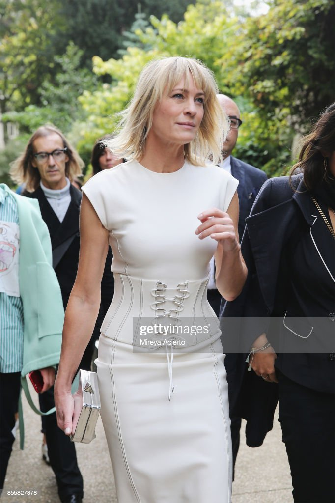 Actress Robin Wright attends the Mugler show as part of the Paris Fashion Week Womenswear Spring/Summer 2018 on September 30, 2017 in Paris, France.
