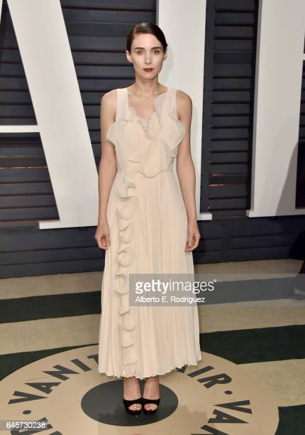 Actress Rooney Mara attends the 2017 Vanity Fair Oscar Party hosted by Graydon Carter at Wallis Annenberg Center for the Performing Arts on February...