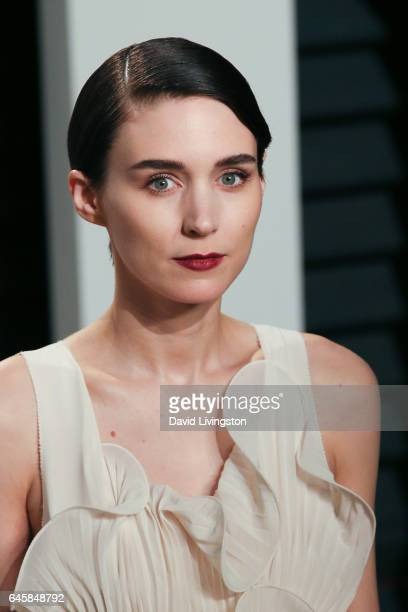 Actress Rooney Mara attends the 2017 Vanity Fair Oscar Party hosted by Graydon Carter at the Wallis Annenberg Center for the Performing Arts on...