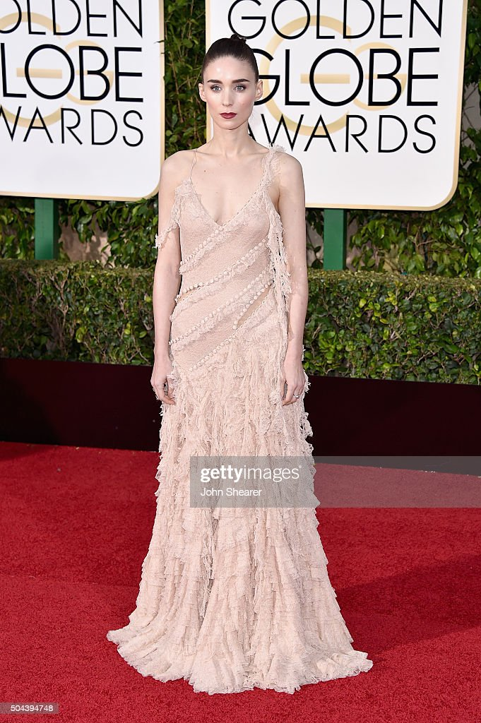 Actress Rooney Mara attends the 73rd Annual Golden Globe Awards held at the Beverly Hilton Hotel on January 10, 2016 in Beverly Hills, California.