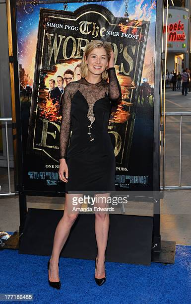 Actress Rosamund Pike arrives at the Los Angeles premiere of 'The World's End' at ArcLight Cinemas Cinerama Dome on August 21 2013 in Hollywood...