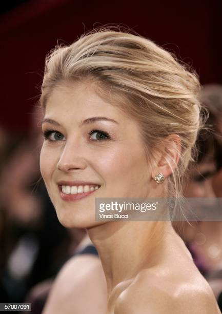 Actress Rosamund Pike arrives to the 78th Annual Academy Awards at the Kodak Theatre on March 5 2006 in Hollywood California