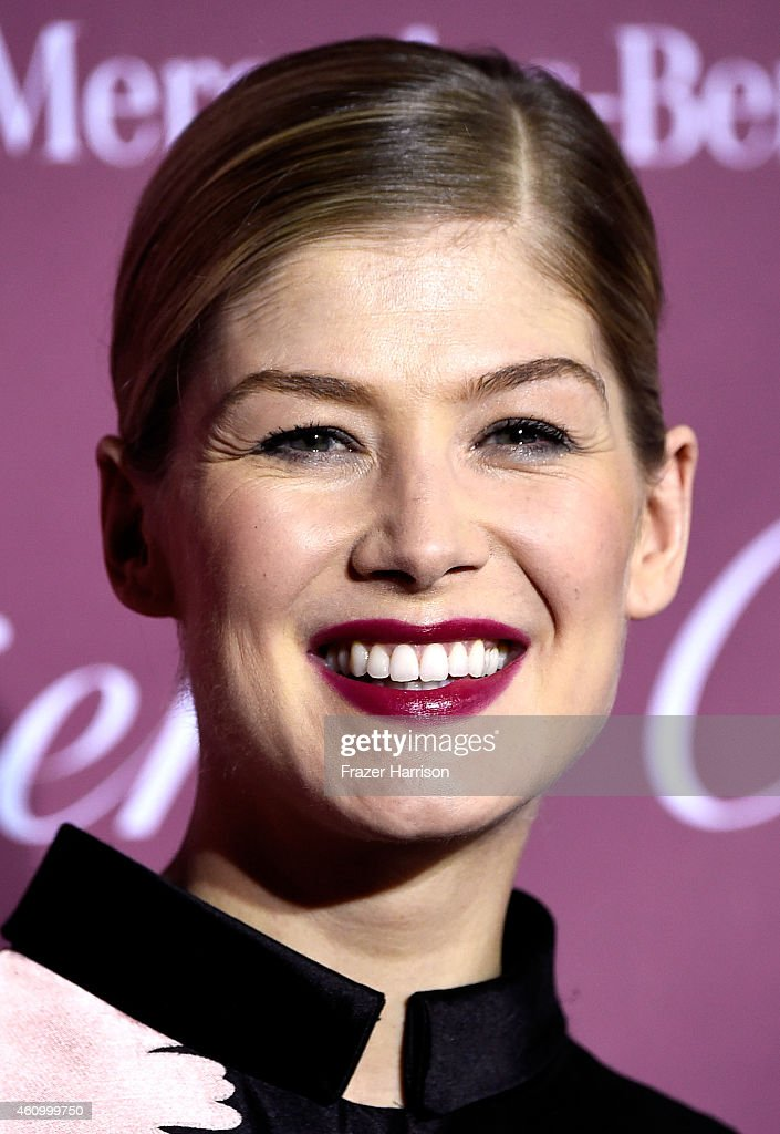 Actress Rosamund Pike attends the 26th Annual Palm Springs International Film Festival Awards Gala at Parker Palm Springs on January 3, 2015 in Palm Springs, California.
