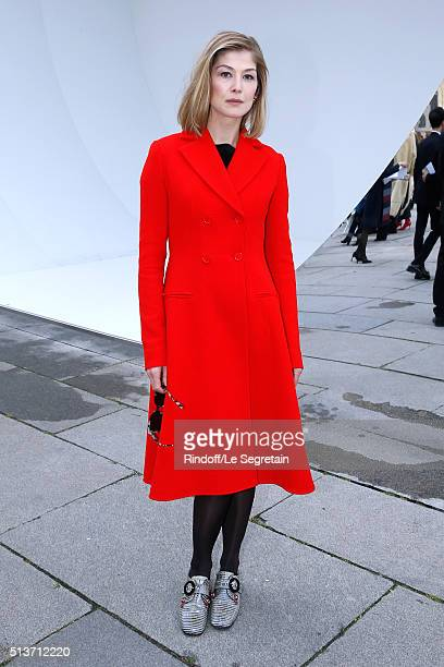 Actress Rosamund Pike attends the Christian Dior show as part of the Paris Fashion Week Womenswear Fall/Winter 2016/2017 on March 4 2016 in Paris...