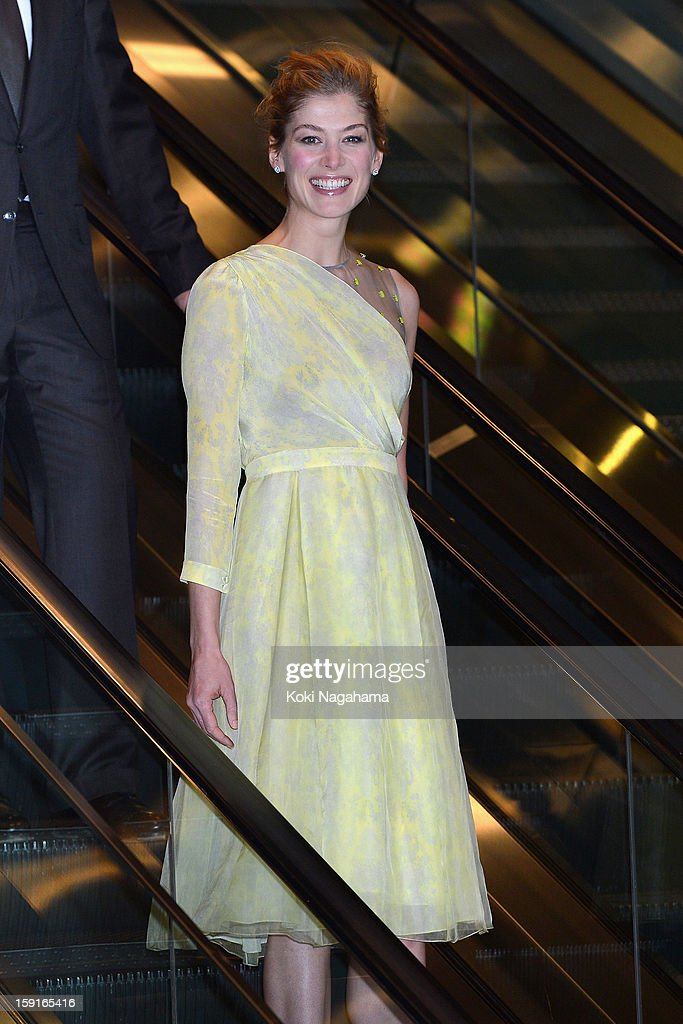 Actress Rosamund Pike attends the 'Jack Reacher' Japan Premiere at Tokyo International Forum on January 9, 2013 in Tokyo, Japan.